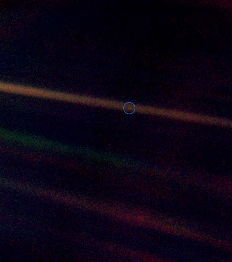 地球の写真ボイジャー1号2