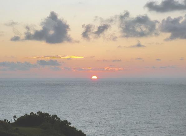 与論島の日の出