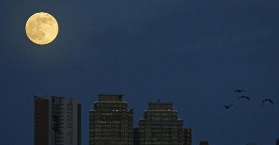 香港の満月